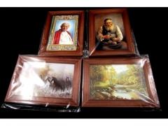 Obrazek drewniany mały : żydek, JP II ,widoki itd.