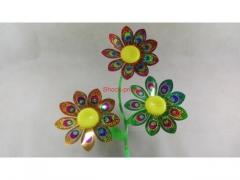 Wiatraczek dekoracyjny potrójny - różne kolory 56,