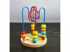 Zabawka spirala z drewnianymi koralikami