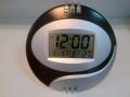 Zegar ścienny z termometrem oraz alarmem LCD