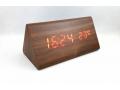 Zegar LCD z datą i budzikiem kostka drewno HIT