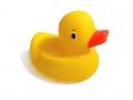 KACZKA gumowa 9cm zabawka do wody kaczuszka
