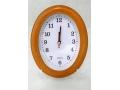 Zegar ścienny wskazówkowy pływający owalny mały